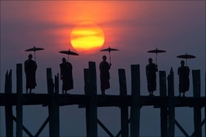 The U-bein-bridge
