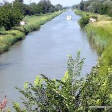 Canal Rhone a Sete near Bellegarde