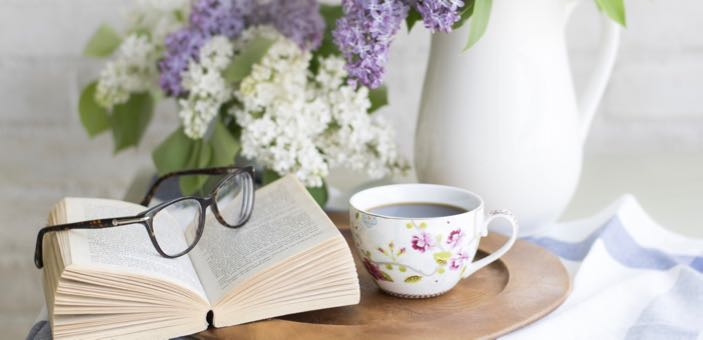 5 Signs You May Need Reading Glasses