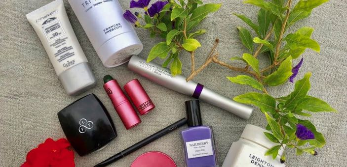 Holiday make up / Capsule cosmetics choices for a summer holiday / Wellbeing / CountryWives online magazine for older women