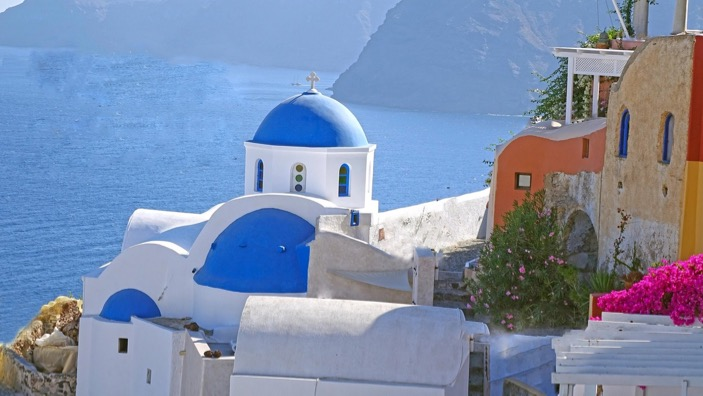 A Greek village on the coast / How long does it take to be beach body ready / blog / wellbeing / The CountryWives