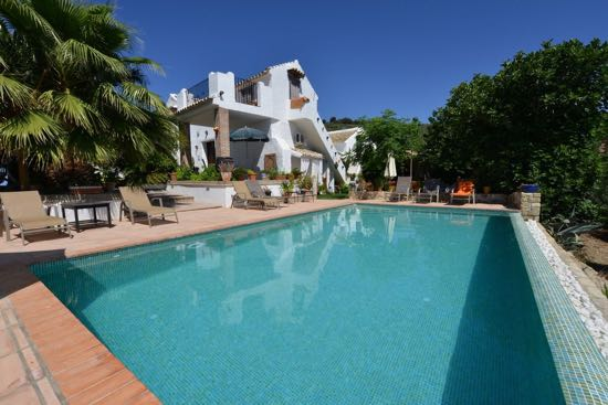 cortijo-la-haza-andalucia Five In-the-Know Recommendations for a Special Summer Holiday