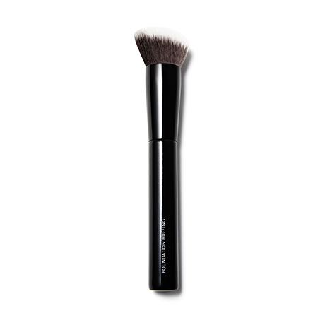 Getting ready in 5 minutes / Beauty Pie Foundation Buffing brush