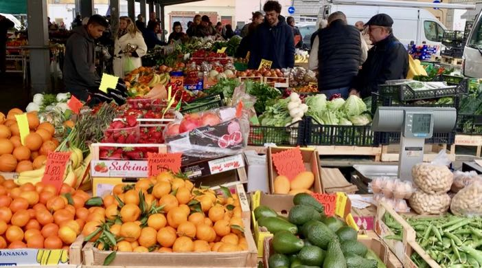 The fruit and vegetable market in Florence