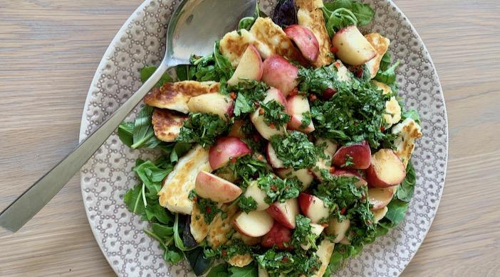 Warm Halloumi and Peach Salad - a Greek salad with honey!