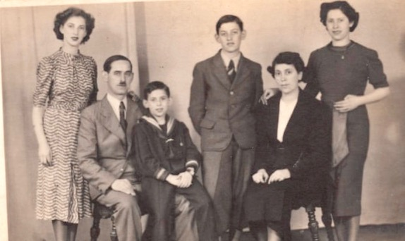 The Kleinmann family in 1938 from the book review The Boy who followed his father into Auschwitz by Jeremy Dronfield