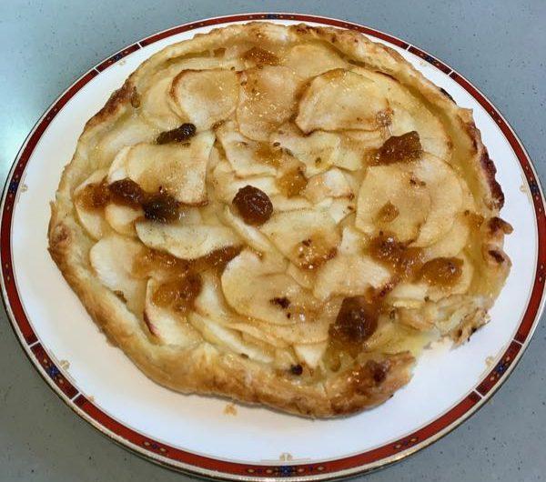 Flat apple & vanilla tart