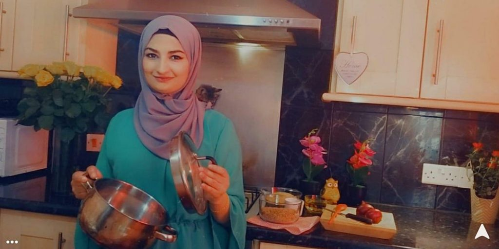 Amani, Syrian refugee, teaching online cookery courses via charity Migrateful