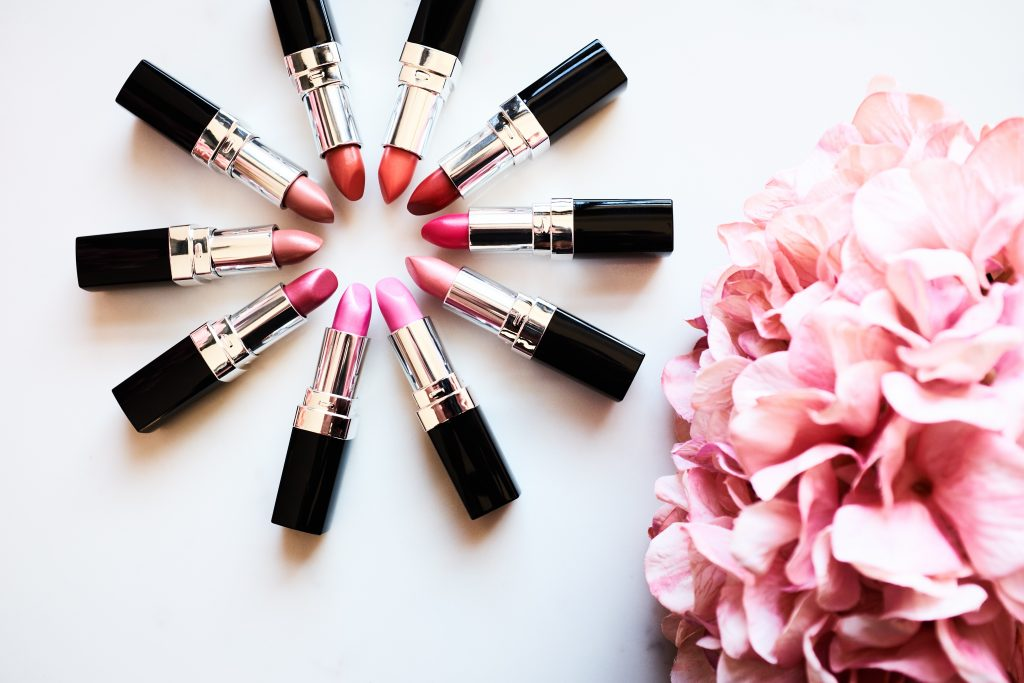 Look Fabulous Forever lipstick offer on the website The Joy Club
